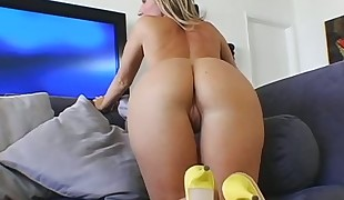 Sometimes very sinful slut gets her anal hole destroyed