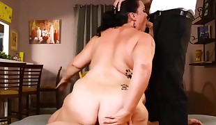 slutty plus-size cougar getting fucked by two fellows
